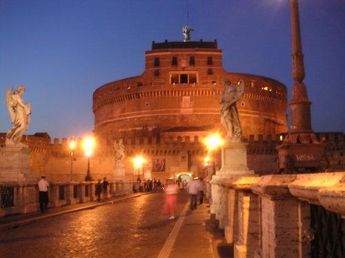 サンタンジェロ城の夜景